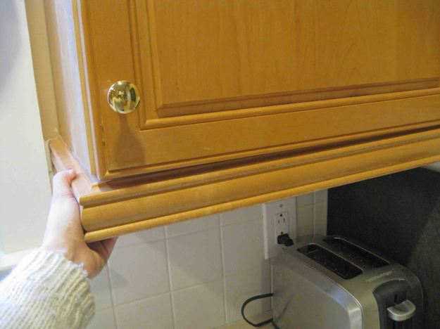 Removing Cabinet Molding